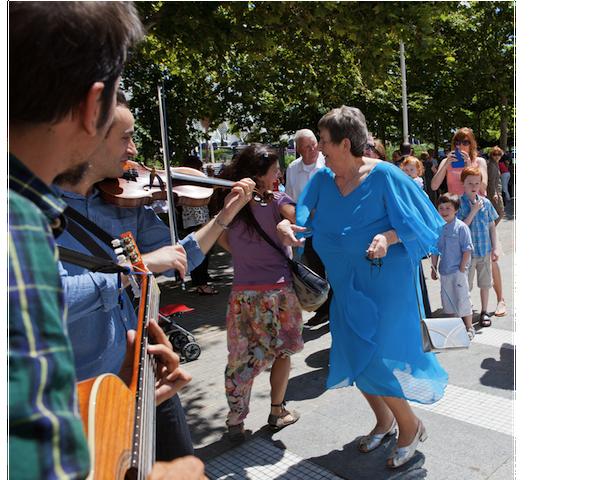 la madre de la novia baila música irlandesa por Rafa