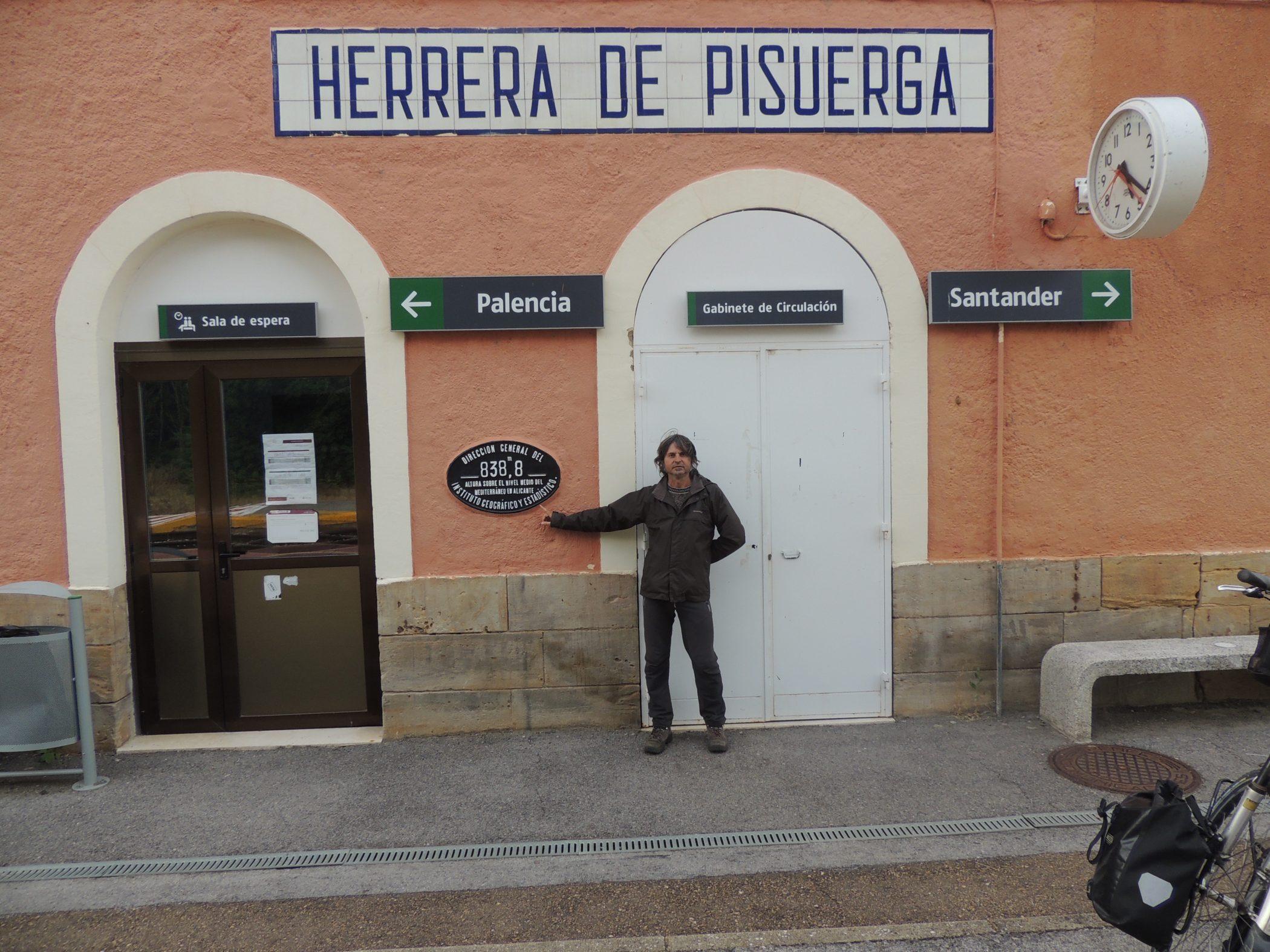 Antonio en estación